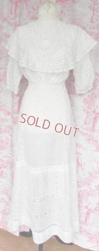 ヴィクトリアン・ホワイトドレス