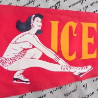 USA ヴィンテージ・タペストリー (アイススケート)