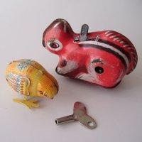 ブリキおもちゃ、りす&ヒヨコ