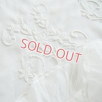 白刺繍/ホワイトワークのローンクロス 101cmx98cm