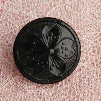サクラ印のブラックガラス・ボタン(D)