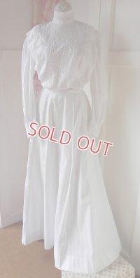 ヴィクトリアン、ホワイトワーク入りドレス