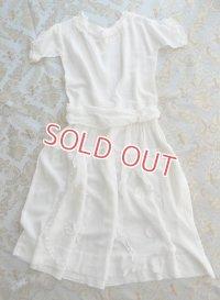 フランス、ホワイトドレス