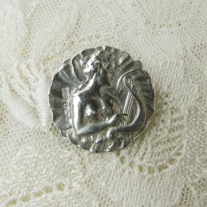 画像2: イギリス、銀製ボタン ハープを弾くレディ
