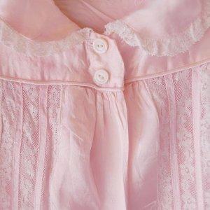 画像2: ピンクサテンのガール用スモック