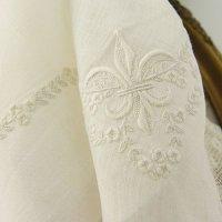 フランス、白刺繍 FlurDeLys 入り ウェディングハンキ―