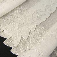 ヴィンテージ、ホワイトワーク(白刺繍)ハンキー2枚組