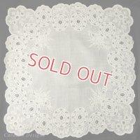 【ミュージアム・クオリティ】1800年代フランス、ホワイトワークハンキー 白刺繍ハンカチ