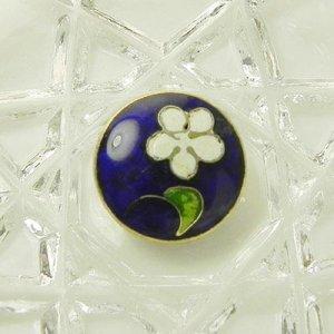 画像1: 瑠璃色に白いお花のエナメルボタン