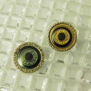 画像3: 細かなモチーフにセルロイドカバーのボタン2個