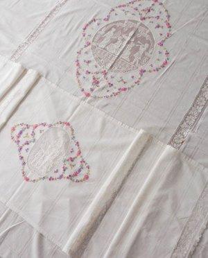 画像1: 手刺繍とフィレレースのベッドスプレッド★ピローカバー付