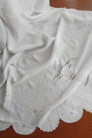 画像1: 【15周年記念★スペシャル品】ホワイトワーク&カットワークのリネンテーブルクロス:2m60cmx1m73cm