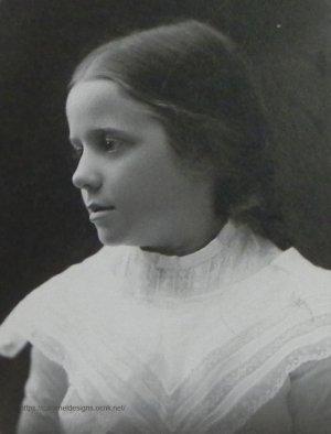 画像1: 少女のポートレート・フォト