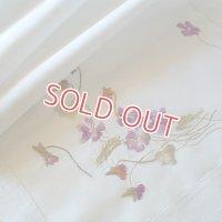 ヴィクトリアン、シルク刺繍リネン 109cmx46.5cm