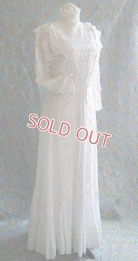 ヴィクトリアン・ウェディングドレス